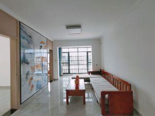动车站附近新装3房 年租3500一个月 价格诚心可议 随时i看房