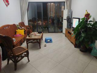 三亚主城区小区 精装两居室235万 无敌河景 业主诚心出售